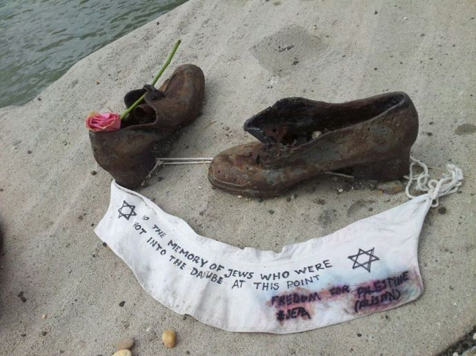 A Gázai övezetbeli mészárlás már a Duna-parti Cipőkre is lesújtott