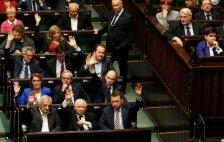 """Roger Cohen: """"Ébredj, Lengyelország, mielőtt túl késő!"""""""
