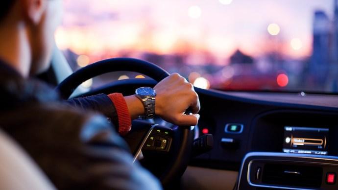 Kiderült, kiknek segít a nagycsaládosok autóvásárlási támogatása