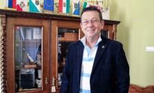 Nyolcfogásos lakoma, színészi produkciók – még az ÁSZ elnöke is ott volt a fideszes polgármester szülinapi buliján