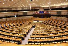 Az Európai Parlament újból megtámadta a helyreállítási csomagról szóló megállapodást