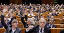 """EP-választások: Nagyot bukhatnak a """"standard"""" pártok, felemelkedőben a """"haladók"""" és a """"nacionalisták"""""""