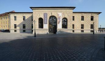 Elkészült a Dísz téri épülettorzó felújítása