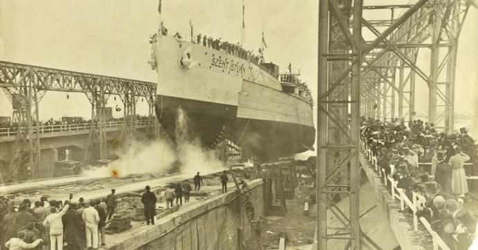 Torpedók küldték tengerfenékre a gigantikus Szent István csatahajót