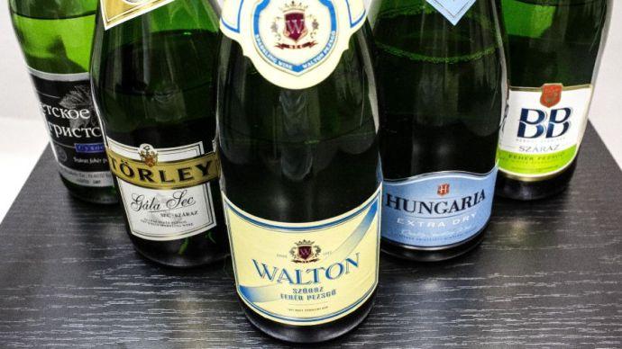 Év végi pezsgőteszt: savak és műanyagok