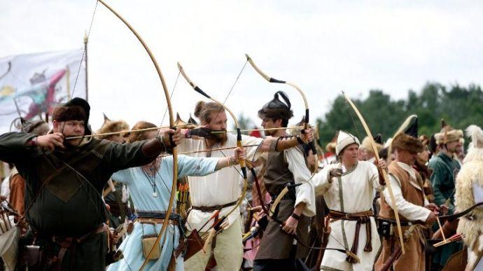 Nyílvesszők árasztották el a nyugatiak táborát – a 907-es pozsonyi csatára emlékeztek Ópusztaszeren