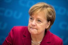 A német migrációs hatóságoknál uralkodó káoszról már kétszer figyelmeztették Merkelt – bukhat
