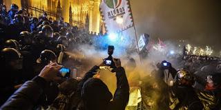 A Jobbiknak már nincs hova süllyedni erkölcsileg és politikailag