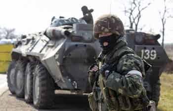 Orosz roham a Krímben: meghalt egy ukrán katona