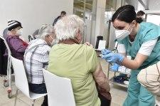 Több százezer cseh nyugdíjas az oltás ellenére sem rendelkezik immunitással