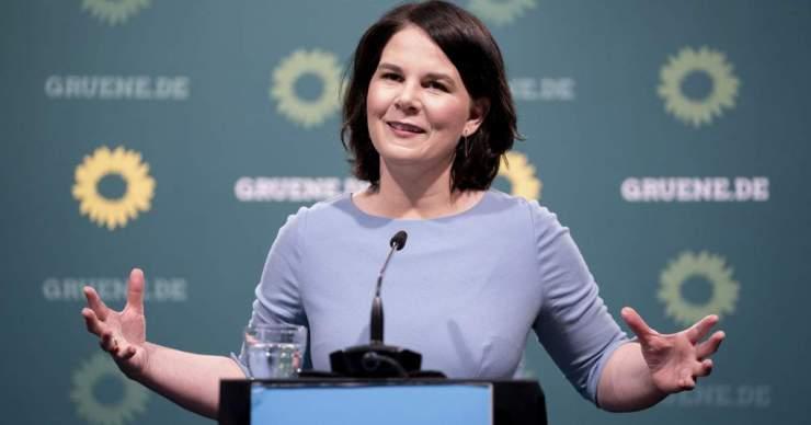 A németországi Zöldek kancellárjelöltje egyre kevésbé népszerű