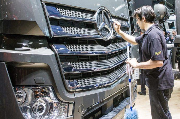 Három részre szakad a Daimler