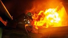 """Tűz ütött ki egy pesti lakásban, """"vitt"""" két másikat is"""