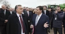 Ha a Fidesz megszavazza, Mészáros Lőrinc milliárdokkal segítheti a munkanélkülieket