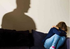 """Megerőszakolta a 11 éves nevelt lányát egy hevesi """"férfi"""""""