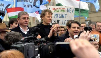 Fizikai erőszakot alkalmaz a baloldal a Hír TV ellen