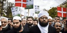 """A dánoknak is elegük van a migránsok """"kultúrájából"""""""