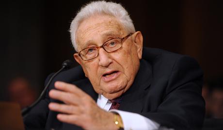 Henry Kissinger Putyin oldalára állt