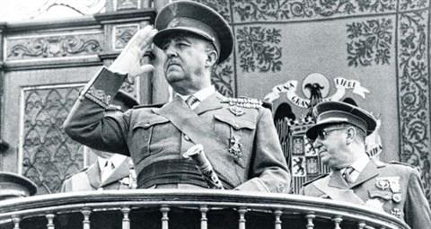 Nyugalmazott spanyol katonatisztek pótolhatatlannak nevezték Francót – vizsgálatot követelnek ellenük