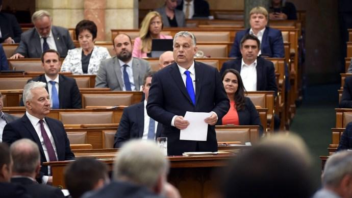 Bejelentéseket tett Orbán Viktor a parlamentben