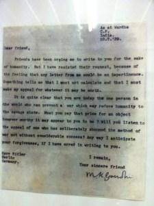 """Gandhi megdöbbentő levele Hitlernek: """"Kedves Barátom!"""""""