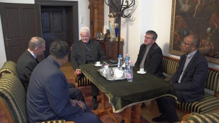 A székesfehérvári püspökségre látogatott az Isteni Ige Társasága általános vizitátora
