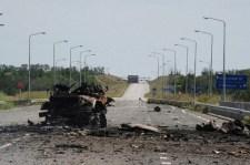 Fegyverüket eldobva menekülnek az orosz határ felé Walzman katonái