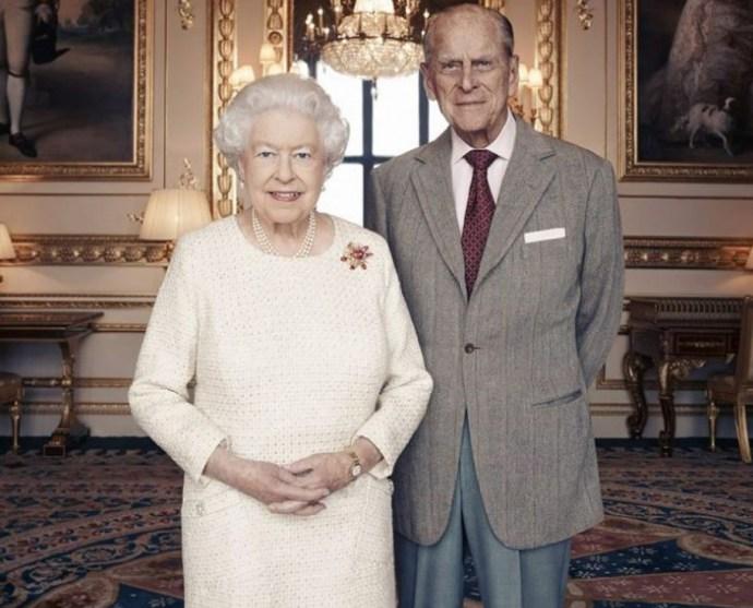 Rendhagyó ünnepre készül a brit királyi család