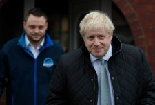 Boris Johnson: a jövőben mindenkinek fizetnie kell az egészségügyi ellátásért