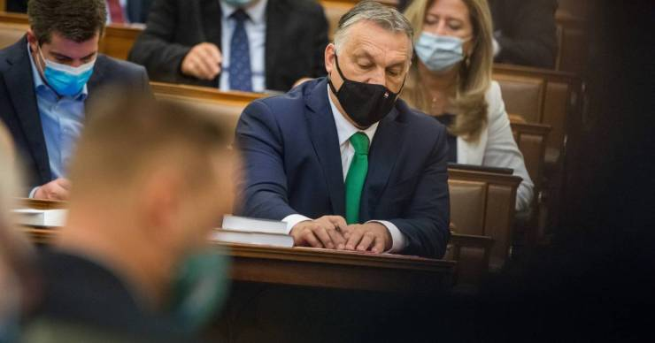 Orbán Viktor 2022. január 1-jéig meghosszabbítaná a veszélyhelyzetet, nemsokára ezt is keresztülveri a Parlamenten