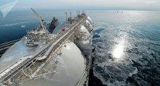 Az óceán közepén visszafordult az orosz földgázt Bostonba szállító tartályhajó