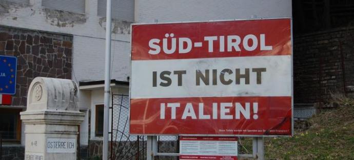Róma ne okoskodjon a dél-tiroliaknak adandó osztrák állampolgárság ügyében – ugyanazt teszi