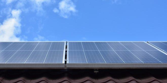 Engedélyhez kötött a napelemek felszerelése?