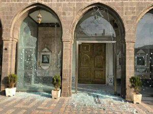 A keresztényeket támadó iszlamistákért aggódik a francia kormány