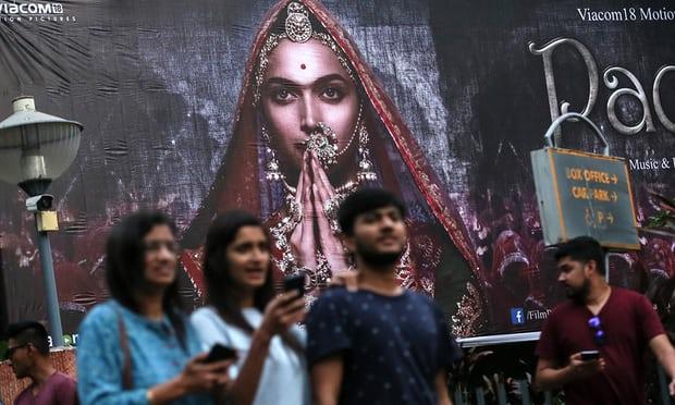 Hindu aktivisták brit mozik felgyújtásával fenyegetőznek