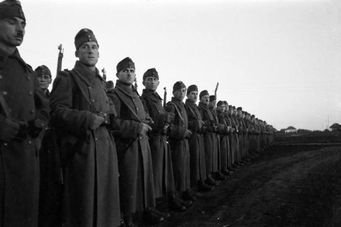 Emlékezzünk! – Magyar ejtőernyősök a Donnál 1942–1943