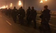 Lezárták a Margit hidat a tüntetők