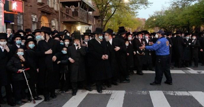 """A zsidók szerint """"antiszemitizmus"""" számonkérni rajtuk a kijárási korlátozásokat"""