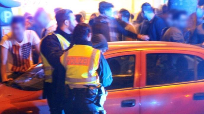 """Országszerte """"muszlim szilveszter"""" volt Willkommenéknél – a rendőrség mindent eltitkolt"""