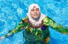 Újabb úttörő lépés Európa leépítésében: Bonni uszoda muzulmány fügönnyel