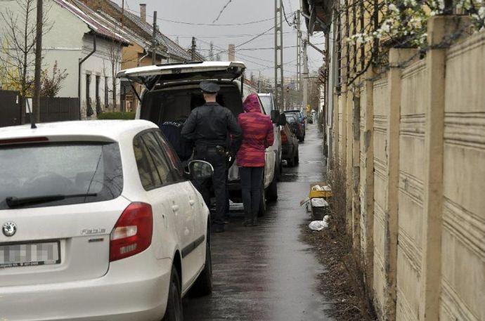 Furgonba tuszkoltak egy fiatal nőt Budapesten
