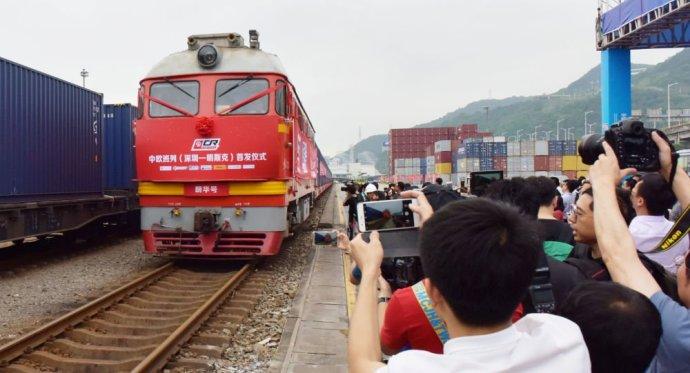 Megérkezett Pozsonyba az első kínai tehervonat