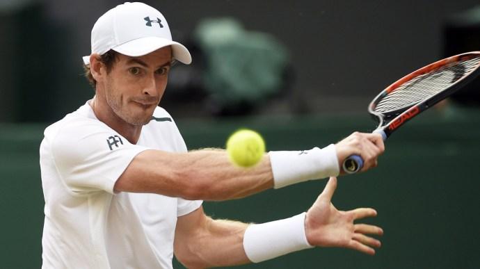 Letérdeltették Andy Murrayt