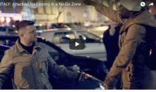 """Afrikai: """"Megöllek"""" – Tommy Robinson brit aktivista válasza: ököllel pofájába sújtott"""