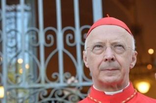 Bagnasco bíboros: Az európai püspökök készek a menekültek befogadására
