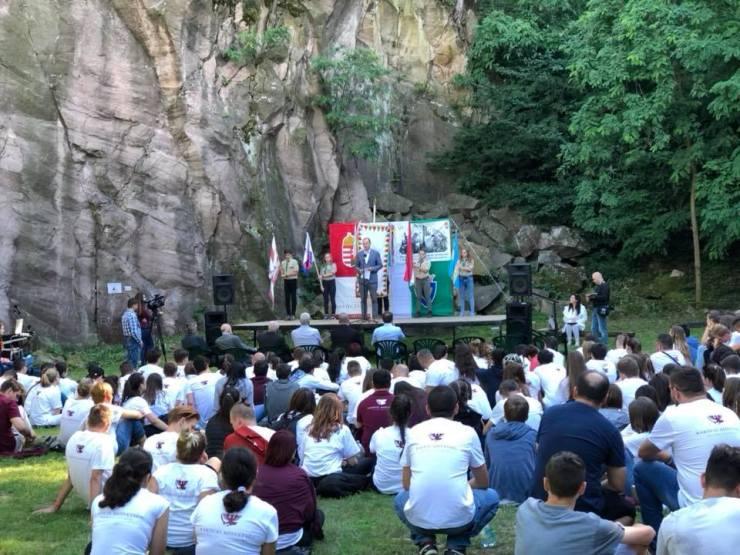 Felföldi diákok táboroznak a Rákóczi Szövetséggel Sátoraljaújhelyen és Orfűn