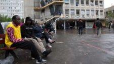 A francia belügyminiszter szerint muszáj szelektálni a migránsok között