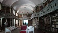 Elutasította a bíróság a római katolikus egyház keresetét a Batthyáneum visszaszolgáltatása ügyében