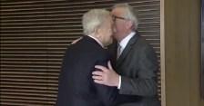 Nem kérünk Soros és Juncker csókjából