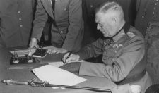 Amiről a krónikák mesélnek: A háború utolsó, a béke első napja Európában